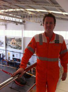 Hangar dos Helicópteros de Resgate – Plataformas de Petróleo e Navios no Pré Sal