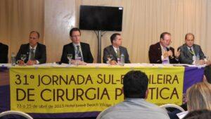 Dr. Marcio na Mesa Sobre Rinoplastia na Jornada Sul Brasileira de Cirurgia Plástica